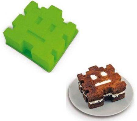 Retro Cake Mold