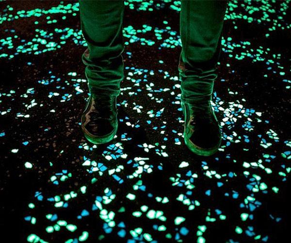 Glow in the dark pebbles for Glow in the dark garden pebbles