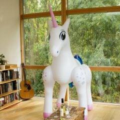 giant-inflatable-unicorn-3