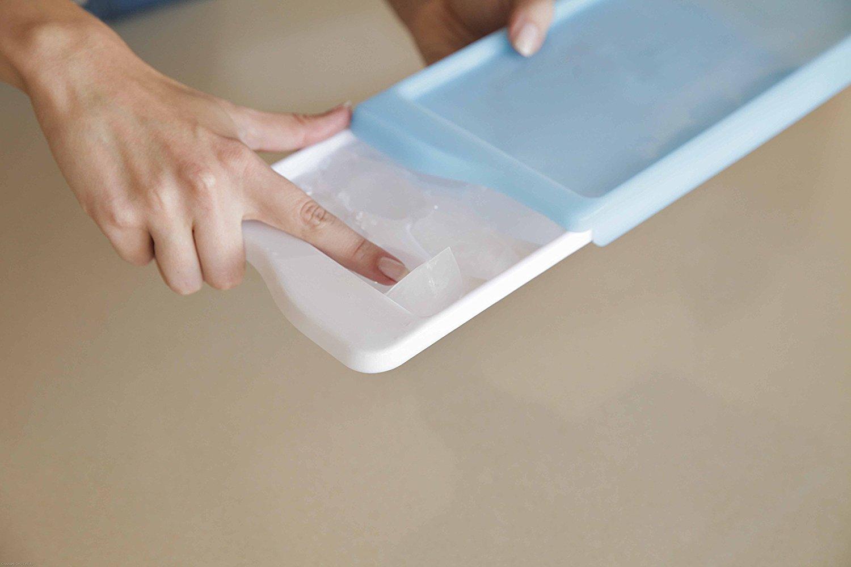 No-Spill Ice Cube Tray