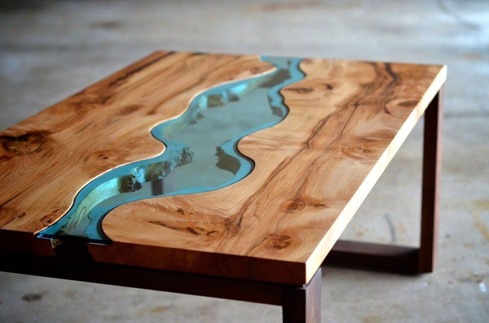 Inside Of Glass And Wood House : Burled river coffee table