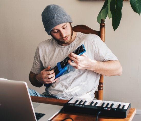 Jamstik: Wireless Smart Guitar