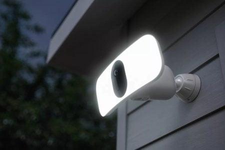 Arlo Pro 3 Floodlight Camera